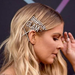 1 unids Rhinestone letra Bling Pasadores de pelo Joyería para las mujeres Custom Crystal Pein Clips Parrettes Glam Glam Accesorios