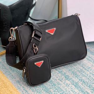 베스트셀러 망은 유명 브랜드 패션 가방 개성 크로스 바디 나일론 작은 이어 버드 가방 2VH110480 빨간색 삼각형 레이블 요소
