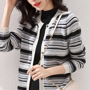 Pjefz Automne T-shirt rayé New Short avec un chandail coréen manteau automne tricot Nouvelle-coréen T-shirt littéraire court Knitwear rayé littéraire