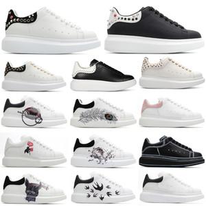 En Konfor Rahat Ayakkabılar Erkekler Spor Scarpe Chaussures Çivili Spike Rivet Scrawl Doodle Tasarımcısı 3 M Yansıtıcı Kadın Boy Sneaker