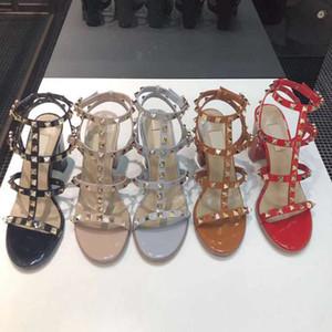 SIDDON 2021 Hot Chegada Mulheres Flats Sandálias Rebites de Rebites Senhoras Verão Punk Sapatos Fivela Sandálias Femininas Gladiador Sandálias Wth Box
