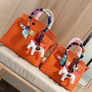 Handtasche Geldbörse Umhängetaschen Hihg Qualität Echtes Ledertasche Plain Hardware Zubehör Schloss Seidenschal Pony Freies Verschiffen HASP