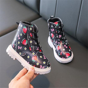 New Fashion Kids Boots Baby Girls Toddler Warm Winter Shoes With Soft Nap Inner Children Strawberry Chaussures Pour Enfants