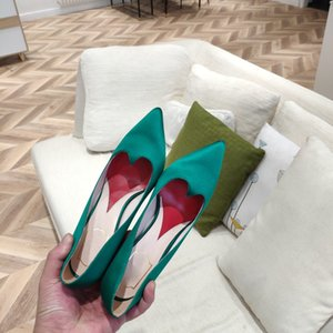 2020 new pointed, shallow mouth, loving high heels, silk satin diamond, fine heels, star wedding shoes