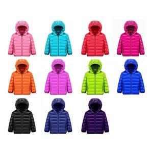 Ultra Lumière Enfants Down Down Jacket 11 Couleur 90% Blanc Duck Down Hiver Chaud Enfant manteau garçons et filles à capuche Jacket 12m-14T Y200831