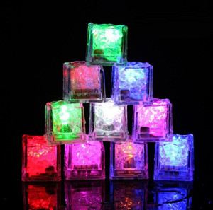 Party Decoration Flash Ice Cube Water-Actived Flash Led Light Put Into Water Drink Flash Automatically for Party Wedding Bars Christmas