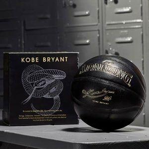 새로운 Spalding 24K Black Mamba Merch 농구 기념 판 PU 착용 방지 뱀 공 크기 7
