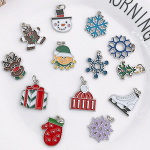 17 Styles Christmas Tree Ornaments Santa Claus Pendant Christmas Tree Earrings Pendant Alloy Accessories Christmas Decoration Gift EEC2924
