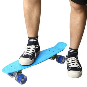 22 pulgadas Single Rocker Skateboard Patineta Plástico Retro Tarjeta larga destella Banana Board Road Road Street