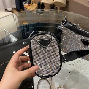 Mode hadbags Femme Sacs à bandoulière femme Sac Sac en cuir de vache de haute qualité diamant taille moyenne Hot Sale Designer Retro Spécial New Tote 2020