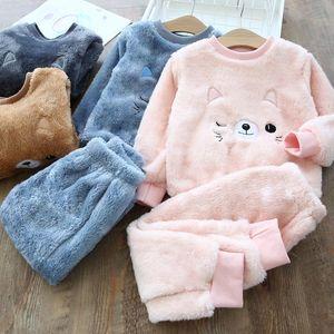 Crianças Sleepwears Inverno flanela Velvet Pijamas Define Bebés Meninas Pijamas Meninos Pijama dos desenhos animados Camisola quente de pelúcia Nightclothes