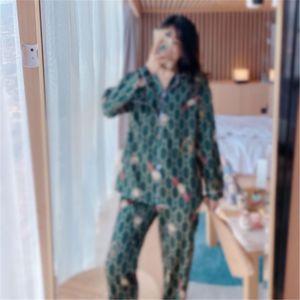 2020 2020 Pigiama Pigiama Primavera Estate Womens Cotton Silk Infermieristica Pajamas Crew Neck Set Pantaloni a maniche lunghe Donne incinte Donne Tracksuit AHGN ## 7741111