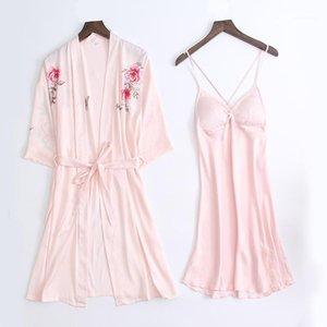 LisacmvPnel Ice Silk Sexy Women Robe Spaghetti Strap Nightdress + Robe Twinset 여성 목욕 가운 우아한 Sleepwear1