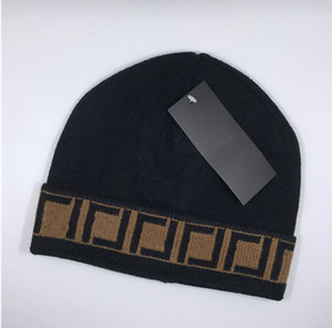Hohe qualität klassische buchstabe gestrickte beanie caps für männer frauen herbst winter warm warme dicke wolle stickerei kalthut paar mode straße hüte