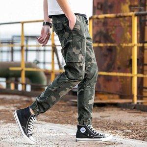 Pantalones de carga Hombres Marca de algodón suelto Hombres Joggers 2020 Spring Camuflaje Imprimir Pantalones Hombres Streetwear Casual Pants Plus Size1