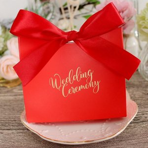 200pcs / lot de la caja del caramelo de la boda favores y regalos Bachelorette regalos dulces del regalo del partido de boda caja festiva