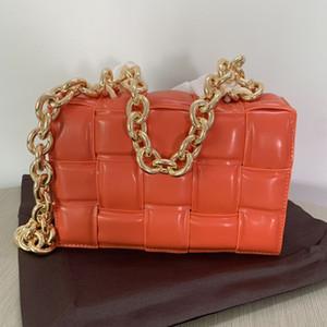 Neue heißen Verkauf Art und Weise der ledernen Frauen Schulterbeutel Modebeutel Kettenbügel Messenger Bag Handtasche Tragbarer Frauen kleine quadratische Tasche Handtasche