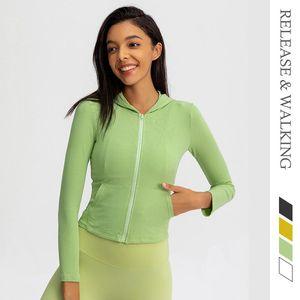 Бегущие куртки RW Fitness свитер жесткий пиджак с капюшоном Женщины спорт Йога открытый пальто быстрые сухие вершины 2021 осень