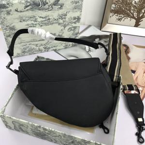 2020 Neue Klassische bestickte Satteltasche Briefmuster Eine Schulter Messenger Bag Frauen Einkaufen Handtasche