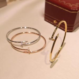 marchio Hot S925 argento puro primavera fibbia del braccialetto chiodo zircone design in stile classico braccialetto vite promenade di modo di signore di lusso