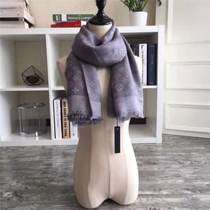 Лучшие дизайнеры Женщина Высокого качества хлопок шелк с золотой нитью шарфа мягкого шарф роскошью Длинного Классический платком оптовой 140x140 без коробки