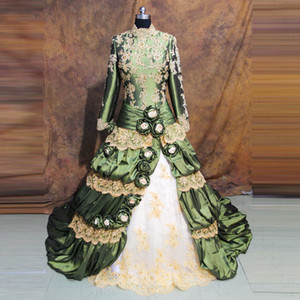 Vintage Green Prom Dresses Long Sleeves Ball Gown Princess Tiered Retro Gothic Long Formal Evening Gowns Appliques Lace Beaded Flowers 2021