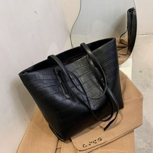 2021 new fashion Women's single shoulder underarm simple soft leather hand Tote bag