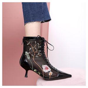 Womens Botas malha bordado floral Stilettos sapatos de salto alto Lace Up Real Leather Pointed Toe respirável Sexy Preto
