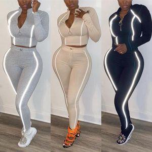 Stit da donna Strip Riflective Stitching Sport di moda Sport in due pezzi 2021 Vendita calda Set Sexy e simpatico abito europeo e americano