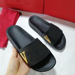 Descuento Moda para hombre para mujer zapatillas de verano Sandalias Ocio Playa de cuero Rivet Stud Slippers Casual Slippers Slips Flip Flobs