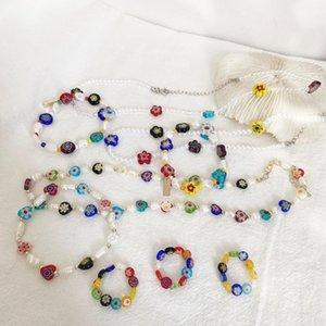 Bunte Trendy koreanische Süßigkeit Acryl Blume Perlen Schmuck-Set für Frauen Elegent Frischwasserperlen-Halsketten-Ring-Mädchen-Geschenk