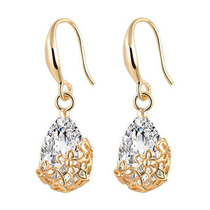 The famous retro water droplets are decorated with earrings and earrings with zircon hollow flowers.