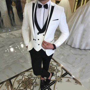 2020 Classy White Three Pieces Mens Suits Peaked Lapel Wedding Grooms Tuxedos Slim Fit Formal Blazer One Button Prom Suit With Jacket Vest