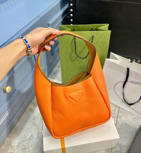 Hot Lady Subarm Bolsa 21 New Designer letra Color Sólido Bolso de alta calidad Moda Bolsa de cesta de vegetales de alta gama WF2012241