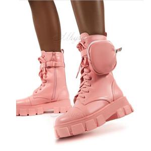 여성 boots2020 가을 겨울 엉덩 포켓 버클 스트랩 핑크 땅딸막 한 유일한 파우치 발목 부츠 빛나는 가죽 패치 워크 도착 플랫폼 부츠