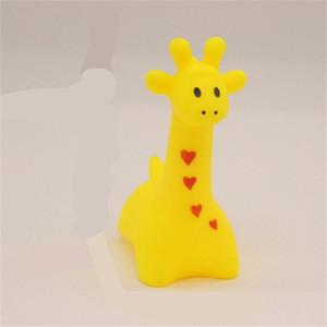 Animais misturados natação brinquedos de água colorido macio flutuante borracha pato espremo somqueaky brinquedo banho para bebê brinquedos 138 g2