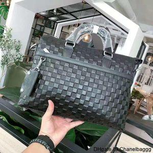 Designer design high quality pure cow leather men's leisure business briefcase Handbag Shoulder Bag Size 39 29 * 5