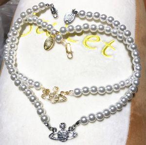 2021 Nuova collana femminile alla moda Brand Western Queen Madre Mamma Vivienne Vivienne Saturn Collana perla Collana Clavicle Atmosfera punk