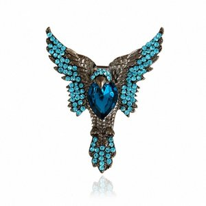 Wholesale- Animals Brooch New Fashion Personalized Women Rhinestone Brooch pin Luxury Halloween High Quality Crystal Animals Brooch P9Jp#