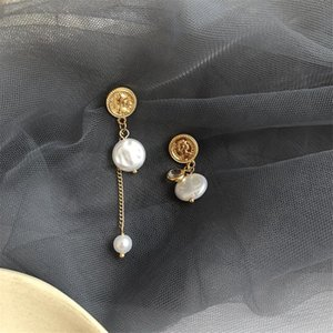 New Baroque Vintage-Asymmetric Matte Goldmünze Geprägte Porträt Skulptur unregelmäßige Perlen-Troddel baumeln Ohrringe Frauen-Mädchen