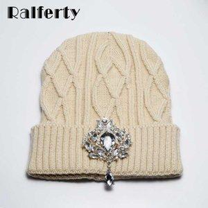 Ralferty Hat Winter Women's Beanie 2020 Brand New Luxury Crystal Rhinestone Knitted Hat Cap Female bonnet femme