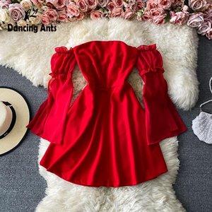 Повседневные платья женщины сплошные платья без бретелек A-line длинные вспышки рукава мини-длина оборками Корейский винтаж осенью сексуальная мода женщина