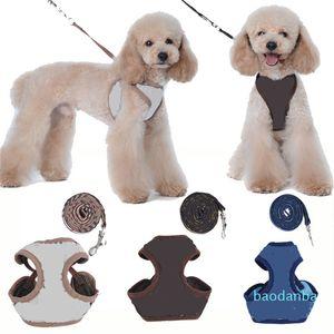 Designer Pet Arneses Leashe Moda Carta Bordado Bonito Filhote de Teddy Cachorro Pequeno Cão Suprimentos Personalidade Pet Coleira 2 Pcs Conjuntos