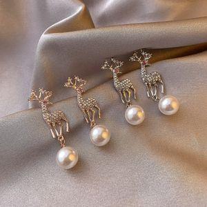 Christmas new earrings temperament diamond elk earrings cute animal pearl deer earrings
