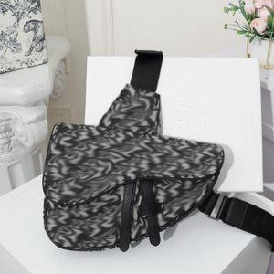 men womens crossbody bag fashion bags high quality bags 4 colour Classic leather canvas handbag saddle bag mens cross body bags