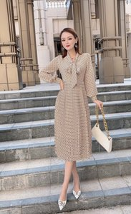 High-quality designer clothing, luxury dresses, ladies printed pleated skirts, spring and summer ladies fashion, silk fabrics