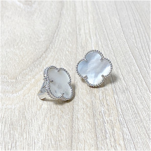 Boucles d'oreilles à quatre feuilles de trèfle à quatre feuilles d'argent en acier inoxydable en acier inoxydable de Titanium pour femmes bijoux avec boîte avec timbre livraison gratuite