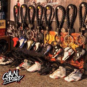 Vente en gros MINI MINI Chaussures 3D Porte-clés Figure Terrasse-clé cadeau