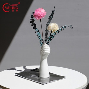 Porcelain Hand Vase For Flowers Creative Ceramic Vase Collectible Art Nordic Home Accessories Decoration New Flower Planter Pot LJ201208