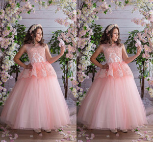 2021 Romantic Blush Pink Girls Pageant Party Dresses Sheer Neck A line Applique Lace Hollow Back Pageant Prom Formal First Communion Dress